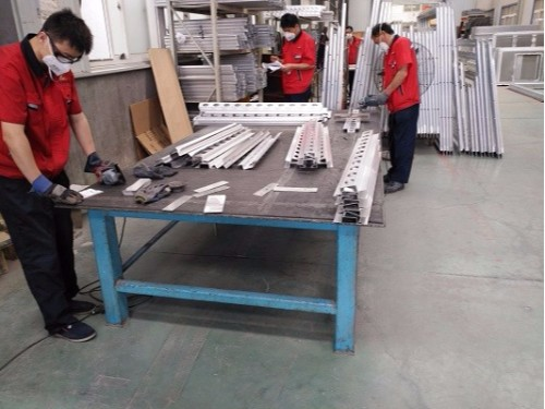 青岛某高铁车厢焊接厂家选择焊本铝板点焊机