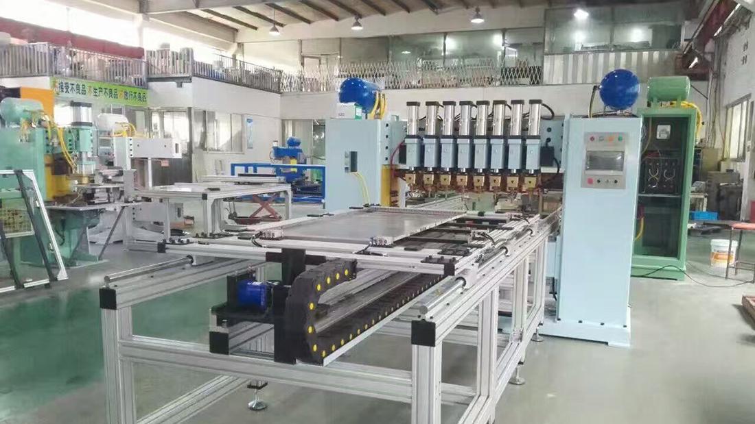 龙门焊机生产现场1