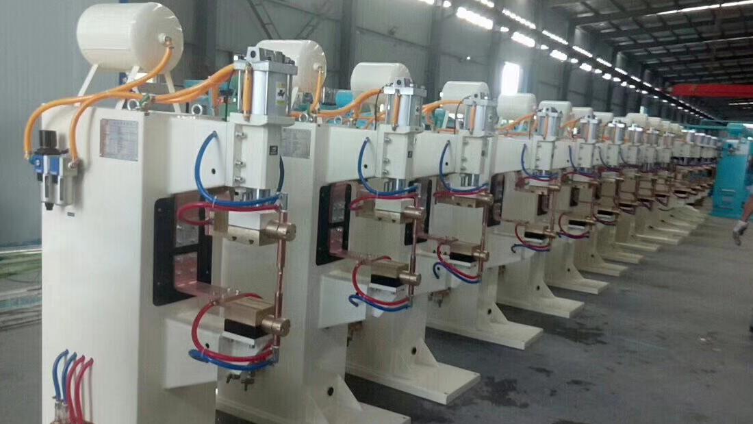非标焊机生产现场6