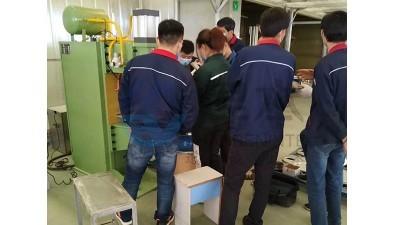 焊本在聊城客户公司安装调试中频点焊机