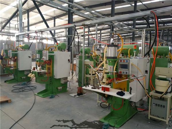 中频点焊机搭配螺母输送机