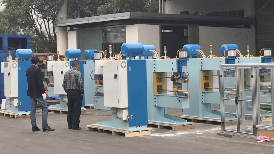 非标焊机生产现场5